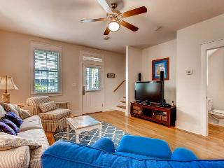 Barefoot Cottages B13-3BR/3.5BA-AVAIL 8/27-9/3*Buy3Get1Free8/1-10/31*-Screened Porches-FC!, Port Saint Joe