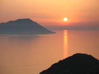 Amazing Sunset View Studio in Plaka, Milos island!