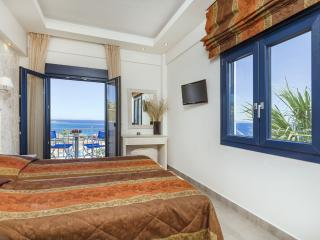 Deluxe Apartment with sea view, Plomari, Lesbos