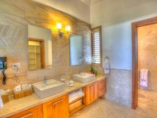 Glamorous 4 Bedroom in Punta Cana