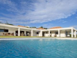Charming 6 Bedroom Villa in Red Pond Bay, Philipsburg