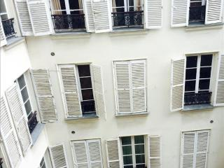 Bacchanal, Rue de Bac, Romantic Paris Apartment in the Glorious 7th