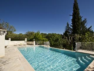 06.310 - Home with pool in..., Le Rouret