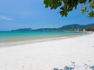 Deluxe Quadruple Room with Sea View, Patong