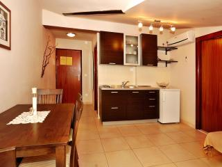 TH00533 Apartments Stipe / One bedroom A7, Brodarica