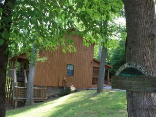 Large 3 Bedroom Cabin in the Smoky Mountains, Pigeon Forge