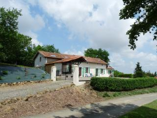 Holiday home rental in Monfaucon, Maubourguet