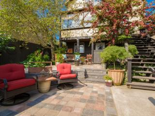 Private Fully Furnished 2 bdrm suite Downtown, Nanaimo