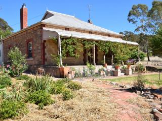 Legless Dog bed and breakfast, Watervale