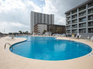 Prime Oceanview 2 Bedroom Condo with King Bed and, Myrtle Beach