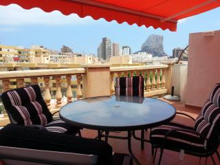 Nice flat with terrace in Calpe by the beach