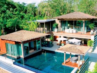 4 Bedrooms Luxury Villa With Sea View in Layan, Nai Thon
