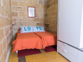 Traditional Townhouse (2-bedrooms), Valletta