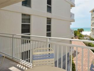 Comfortable 2BR with Gulf view, recently remodeled #308GV, Sarasota
