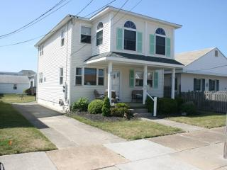 Spacious 3 Br 1st Floor of Duplex, Central Air, Wildwood Crest