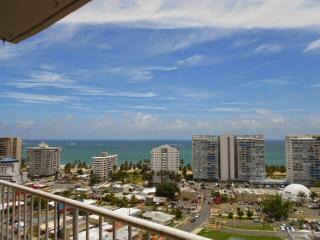 Ocean View apartment on 19th floor, near beach, Isla Verde