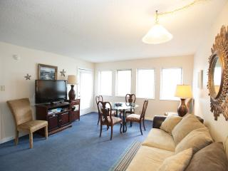 Wonderful Condo with a Grill, Pool, and Balcony at the Myrtle Beach Resort
