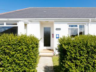 Morlanar, holiday home in Trevone Bay, NR Padstow