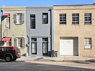 Posh, contemporary townhouse in Warehouse District, New Orleans