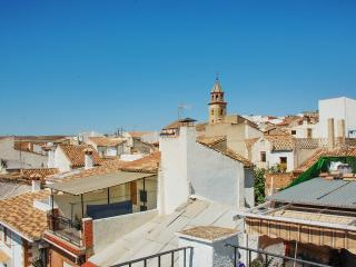 Casa El Pilarillo – large, historic house in the centre of Padul with terrace, 10min from Granada