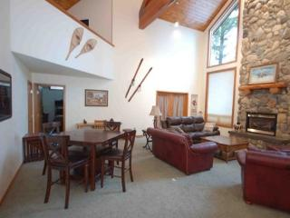 The Majestic! Spring Mtn. Ranch, Hot Tub, Golf, McCall