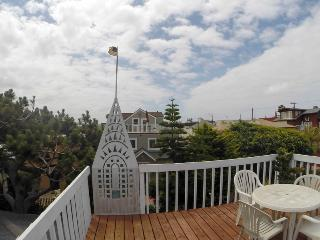 (LM1) WOW! ROOF DECK, PARKING, BEACH!, San Diego