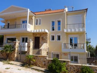 Cosy apartment(Sea,Athens Airport), Rafina