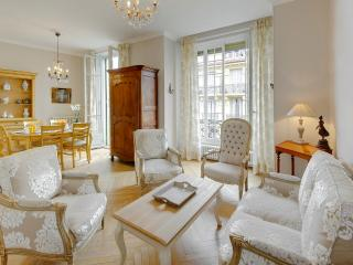 L'Authentique- elegant and spacious 3bed, Nice