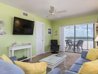 Carlos Pointe 536, Gulf Front, Elevator, Heated Pool, Fort Myers Beach