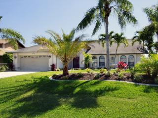 Waterfront Residence 'Villa Sunrise', Cape Coral
