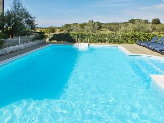 Sleek apartment on the Istrian Peninsula with pool and sea view, 250m from the beach, Umag