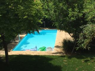 440 Sqm Villa, swimming pool, 5 Min. walk to beach, Herzlia