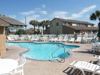 Walk To Beach, Sleeps 8, Pool, Outdoor Grill, Beautiful Key West Decor, Port Aransas