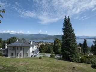 Villa Tosca holiday vacation villa rental italy, lake district, lake maggiore, view, pool, air conditioning, short term long term ho, Baveno