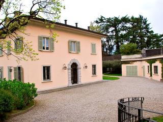 Villa Ossuccio Italian Lake villa rentals, large villa for short term stay Lake Como, Villa rental Lake Como Italy