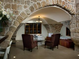 lighthousesuite, Acre