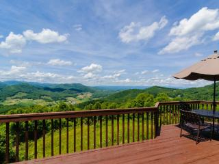 Shekinah - Spectacular views of 3 states, on 80 acres, game room, Candler