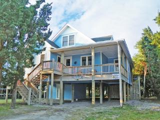 Ride About- Relaxing and comfortable island home, offsite docking, Ocracoke