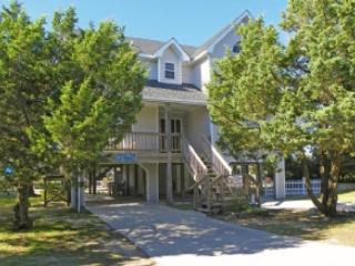 The Dock House- Canal front docking with reverse floor plans providing views of the sound, Ocracoke