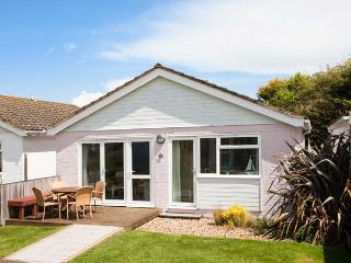 JAMESTOWN 3, ground floor, en-suite, WiFi, private decking, shared grounds and facilities, Yarmouth, Ref. 922477