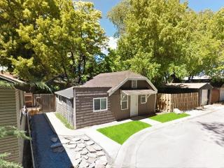 Spacious 1-Bedroom Cottage by Liberty Park, Salt Lake City