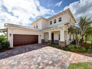 Spacious, Immaculate, Gorgeous Family Mediterranea, Jupiter