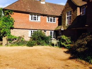 Annex cottage with shared swimming pool, Slindon