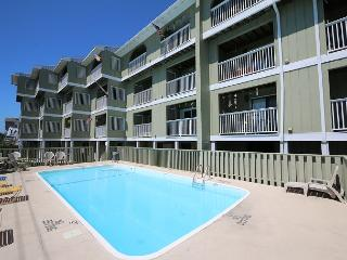 Driftwood Villas 4C - Enjoy this fantastic one bedroom oveanview condo!, Carolina Beach