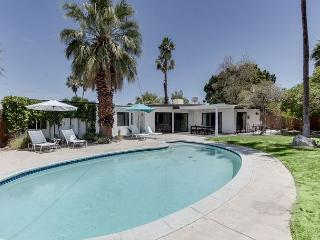 4BR/2BA Modern Palm Springs House, Close to Downtown