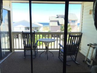 2 Bedroom 2 Bath in prime Cherry Grove W/ Pool!, North Myrtle Beach