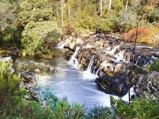 Falls River Luxury Accommodation, Deloraine