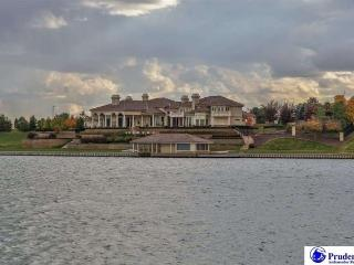 Villa Patryce on the Lake, Omaha