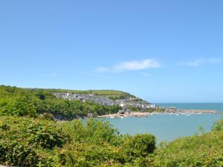 2 Bed (Sleeps 7) Sea Views, Beach Location, New Quay