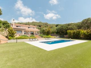Villa for 10+4, beach, sea view, large pool, sauna, Sant Andreu de Llaveneres